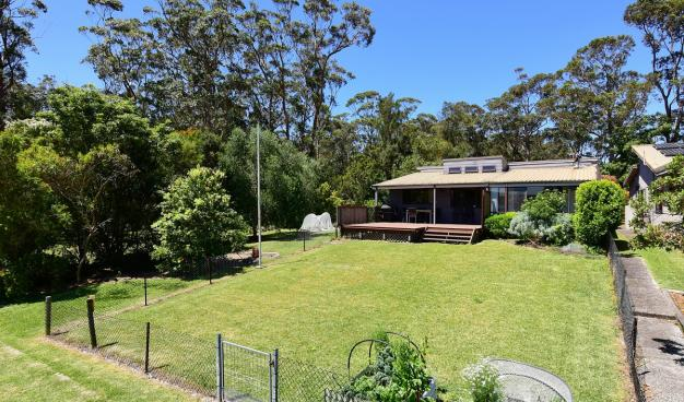 St Georges Basin Waterfront, Sanctuary Point Holiday House, Huskisson Real Estate, Jervis Bay Real Estate, Real Estate Agents Jervis Bay, Integrity Real estate, Ray White Jervis Bay, Oz Realty Huskisson, Elders Huskisson, Absolute Waterfront, waterfront holiday house, Investment property on south coast, Jervis Bay holiday, jervis bay getaway, Huskisson Apartments, Vincentia, South Coast NSW,  huskisson, Woollamia Village, Investment Property, Holiday House